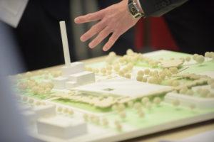 Architektenentwürfe für das neue Bonner Schwimmbad. Bis zum 19. Mai sind sie im Stadthaus zu sehen.