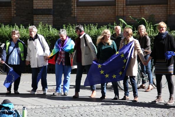 Der Puls Europas schlug am Sonntag auf dem Bottlerplatz | #PulseofEurope