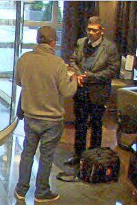 Gepäckdiebstahl aus Bonner Hotel - Wer kennt diese Männer?