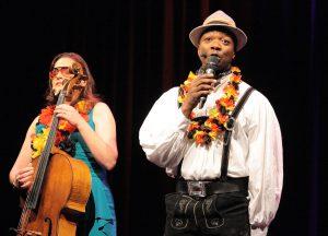 """Das Duo Carrington-Brown ist am 22.2. mit seiner Jubiläums-Show """"10"""" zu Gast"""